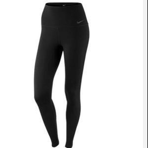 Nike sculpt leggings small